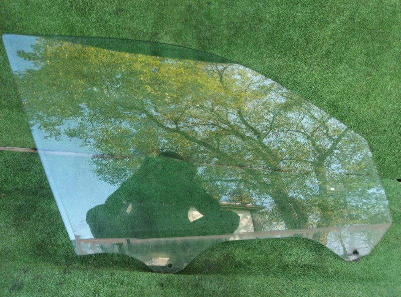 Стекло двери Bmw X5 E53 M54B30 2005 переднее правое