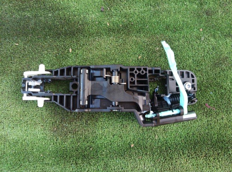 Механизм ручки двери Toyota Corolla Touaring ZWE211W 2ZR-FXE 2019 задний левый