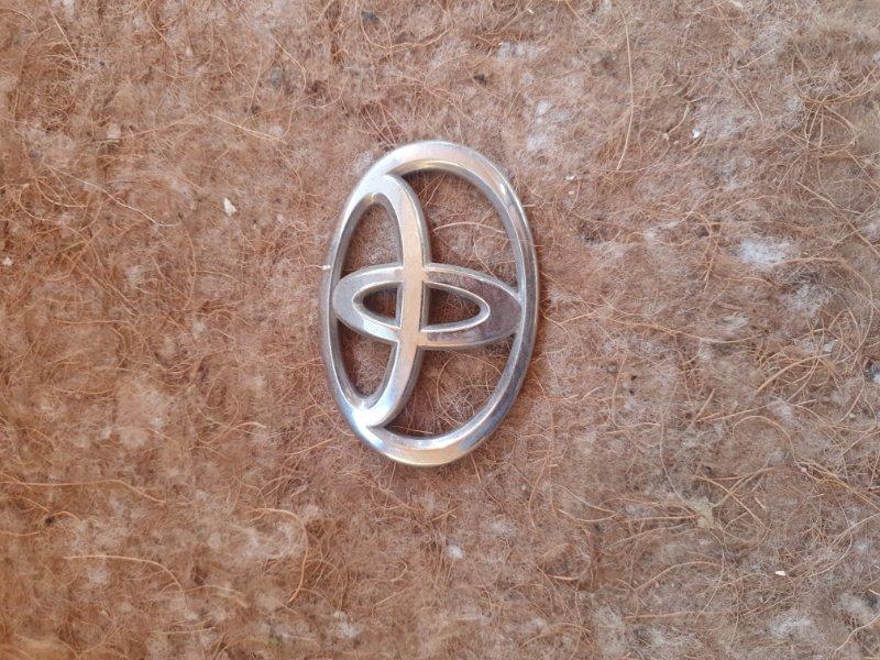 Логотип эмблема лейбл Toyota Prius ZVW50-8004113 2ZR-6657800 2016