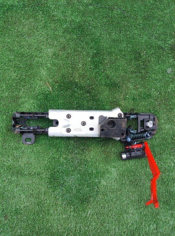 Механизм ручки двери Toyota Crown GRS210-AETXH 4GRFSE 2500CC 24-VALVE DOHC EFI 12.2012 задний левый
