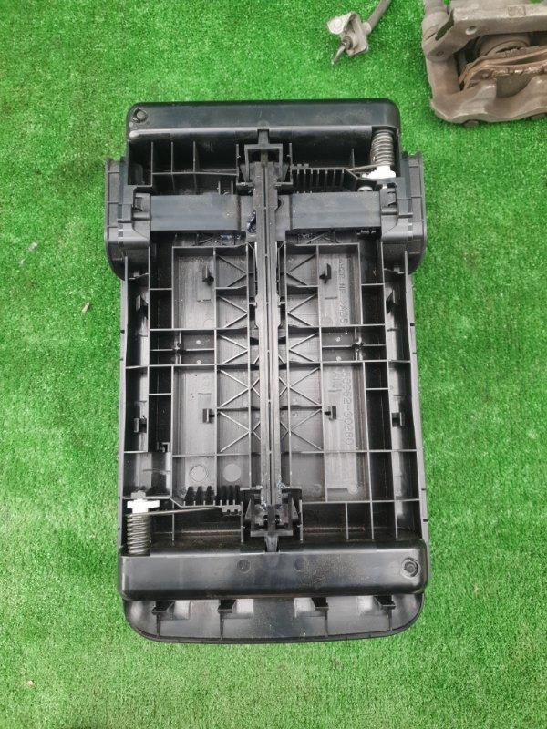 Бардачок между сиденьями Toyota Crown GRS210-AETXH 4GRFSE 2500CC 24-VALVE DOHC EFI 12.2012
