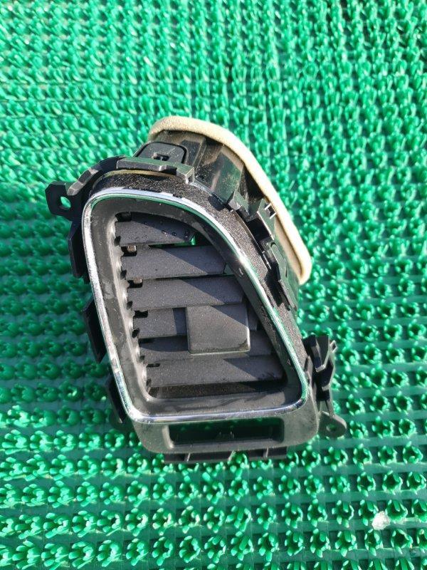 Дефлектор воздушный Honda Vezel RU3 LEB 2014 правый