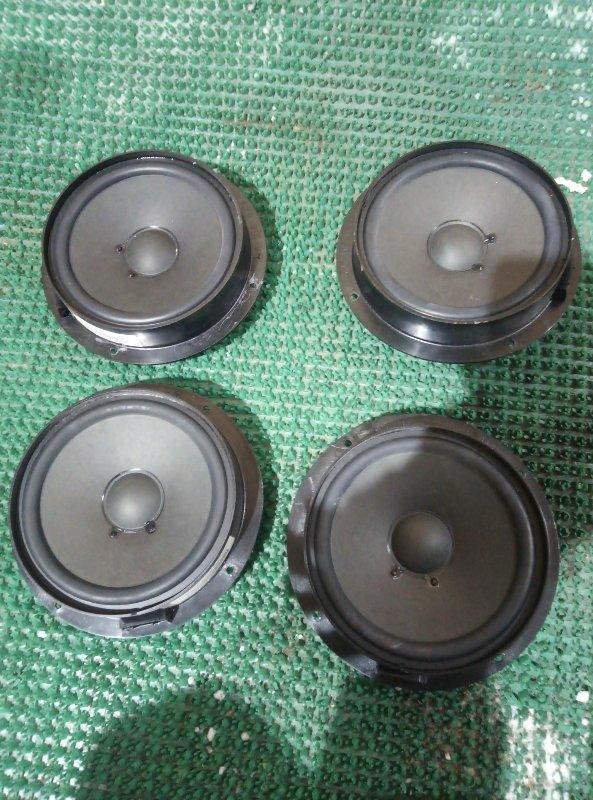 Комплект динамиков Mercedes Benz 164.186 Ml 350 4Matic W164.186 M272E35 2007