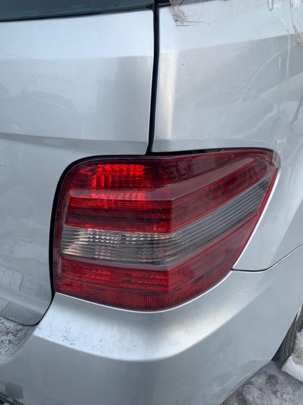 Стоп-сигнал Mercedes Benz 164.186 Ml350 4Matic W164.186 M272E35 2005 правый