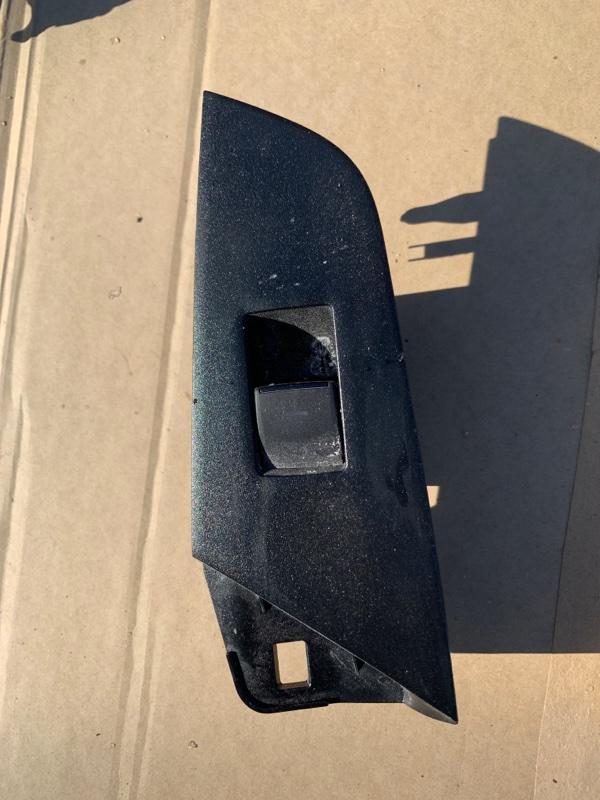 Блок управления стеклоподъемниками Toyota Prius ZVW55 2ZR-FXE 2019 задний левый