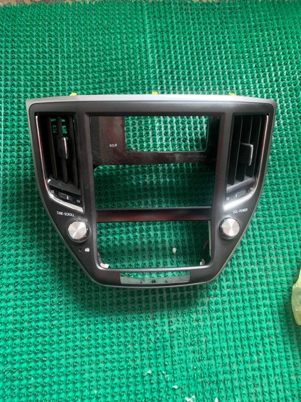 Консоль магнитофона Toyota Crown GRS210-AETXH 4GRFSE 2500CC 24-VALVE DOHC EFI 12.2012