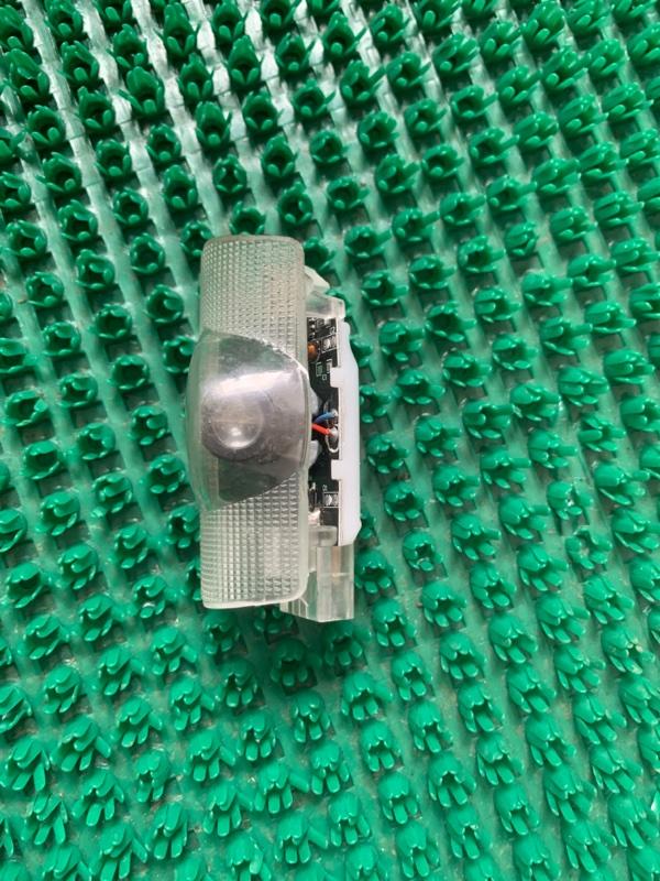 Светильник салона Toyota Crown GRS210-AETXH 4GRFSE 2500CC 24-VALVE DOHC EFI 12.2012