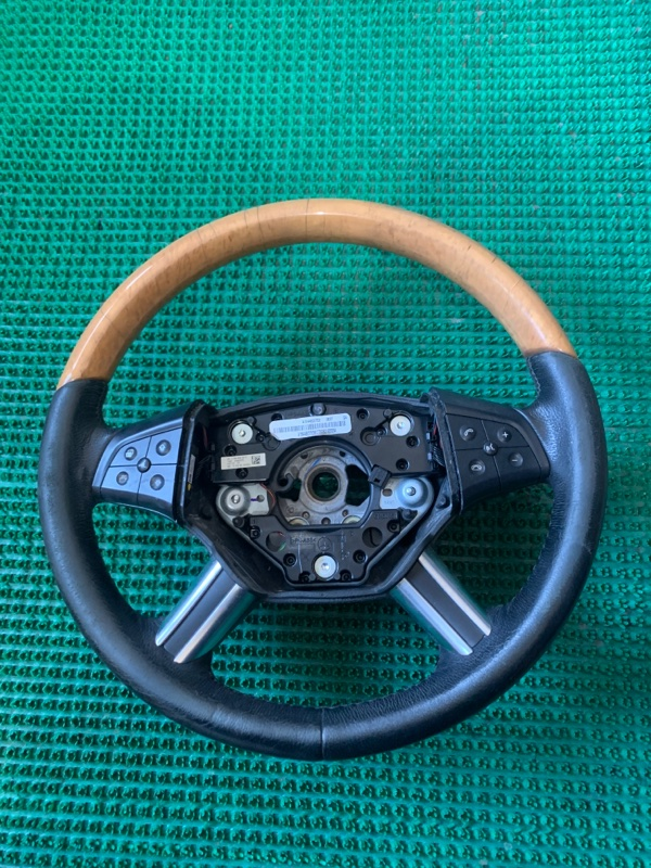 Руль Mercedes Benz Gl-Class X164886 M273E55 2006