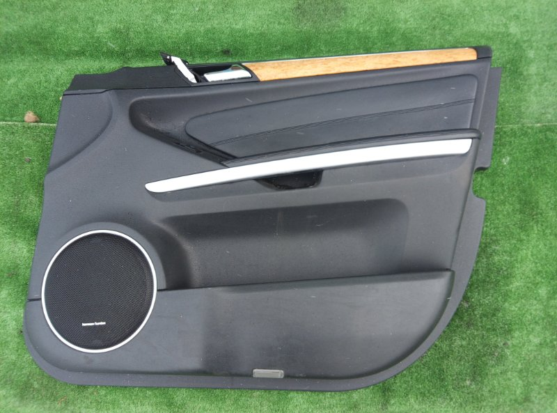 Обшивка двери Mercedes Benz Gl-Class X164886 M273E55 2006 передняя правая