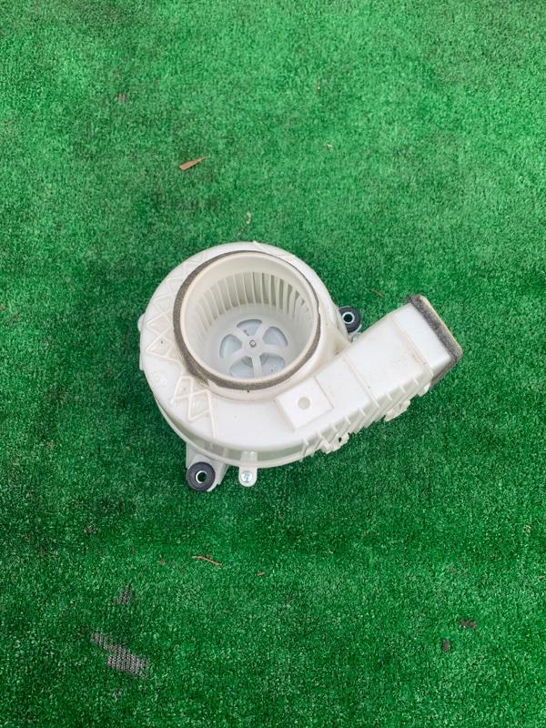Мотор охлаждения батареи Toyota Camry 50 2ARFXE 2013