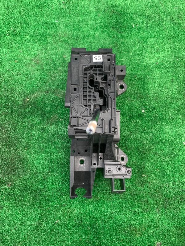 Селектор акпп Toyota Camry 50 2ARFXE 2013