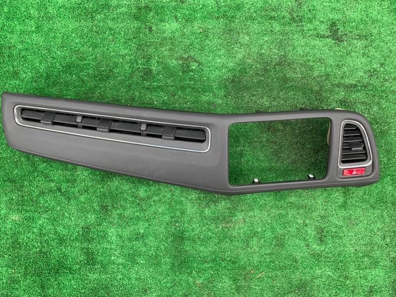 Консоль магнитофона Honda Vezel RU1 L15B 2014