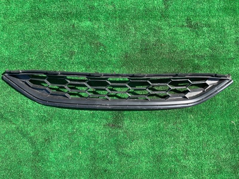 Решетка в бампер Honda Vezel RU1 L15B 2014 передняя