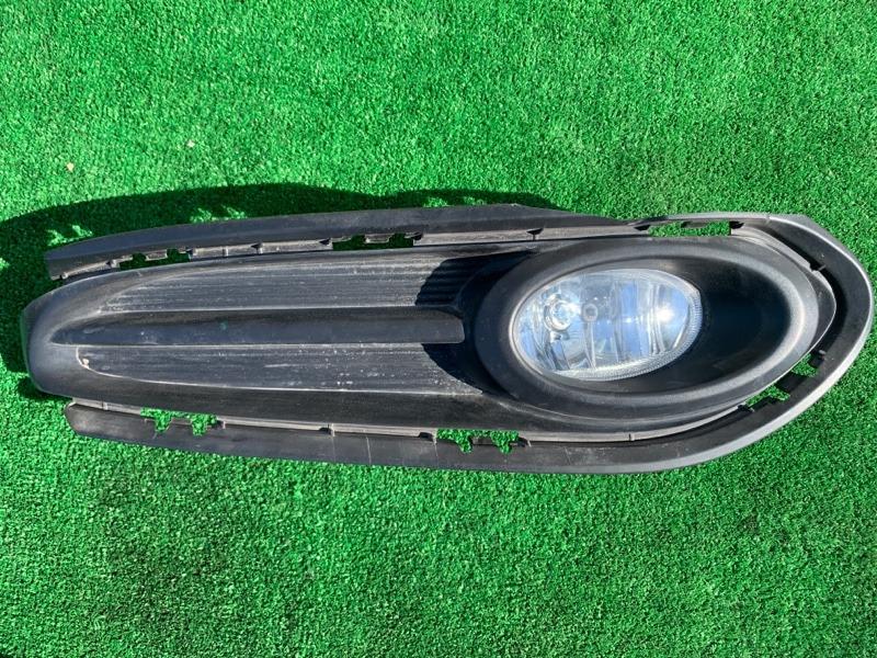 Противотуманная фара Honda Vezel RU1 L15B 2014 передняя правая