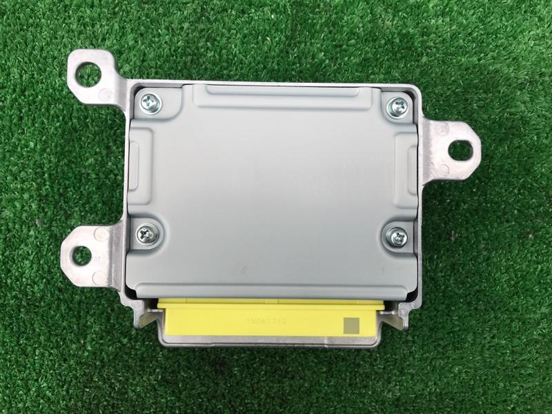 Блок управления airbag Honda Vezel RU1 L15B 2014
