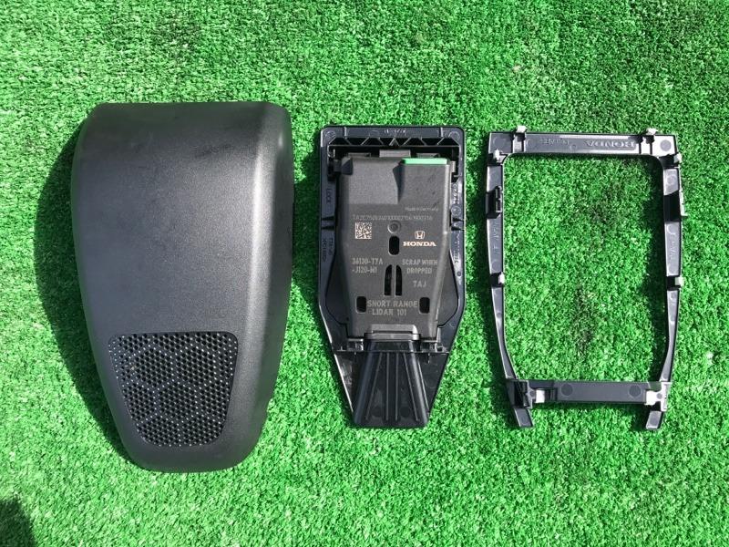 Камера переднего вида Honda Vezel RU1 L15B 2014