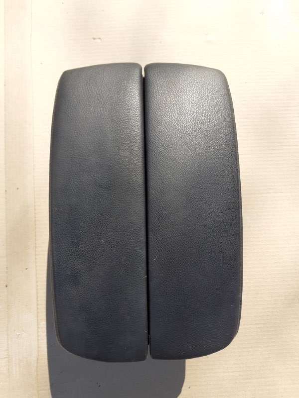 Подлокотник Bmw X5 E70 N52B30 2009