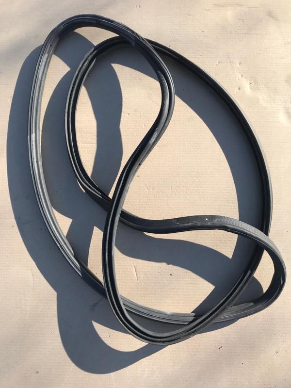 Уплотнительная резинка багажника Bmw X5 E70 N52B30 2009