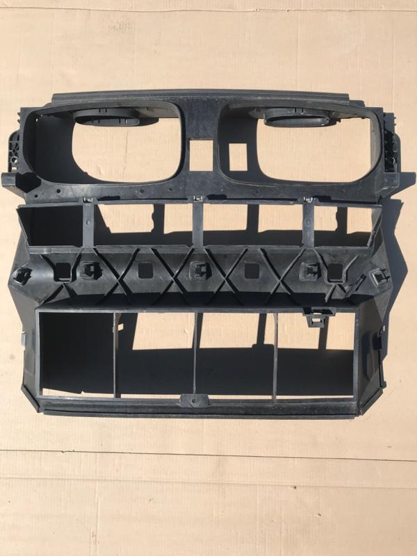 Рамка радиатора , панель передняя Bmw X5 E70 N52B30 2009