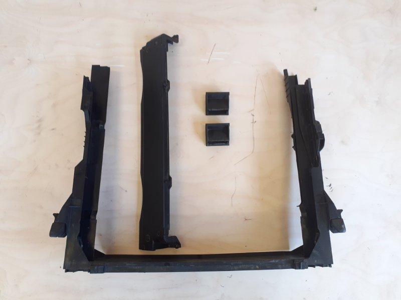 Диффузор радиатора Bmw X5 E70 N52B30 2009