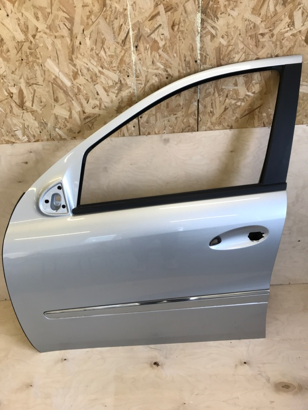 Дверь Mercedes Benz Mercedes Benz M Class Ml500 W164.175 113.964 2005 передняя левая