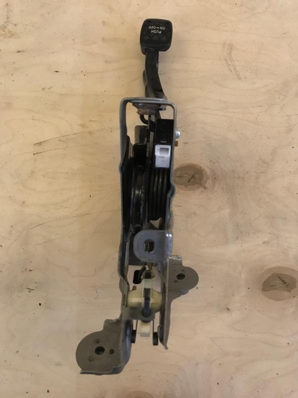 Педаль стояночного тормоза Toyota Prius ZVW51 2ZR-FXE