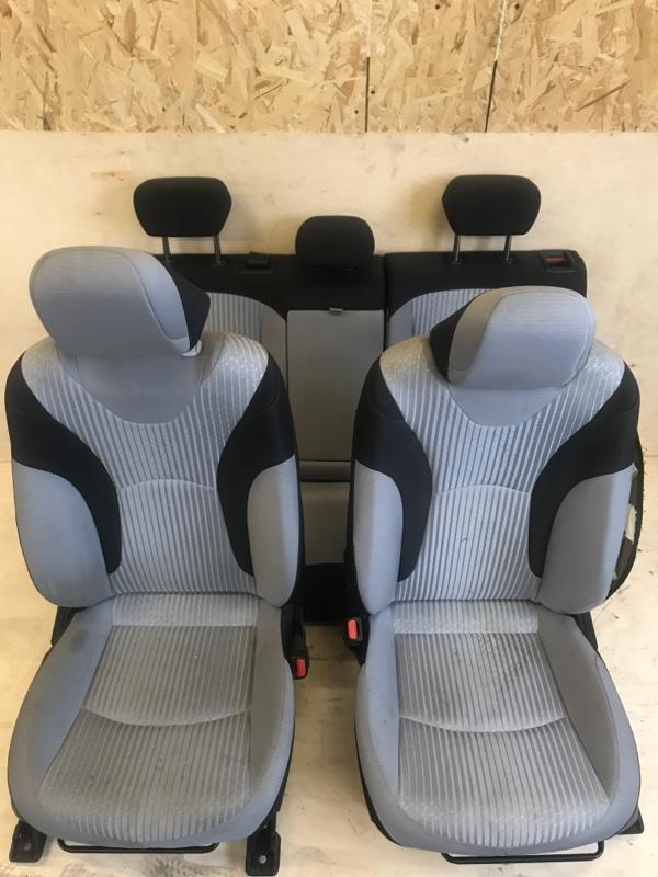 Сидения комплект Toyota Prius ZVW51 2ZR-FXE
