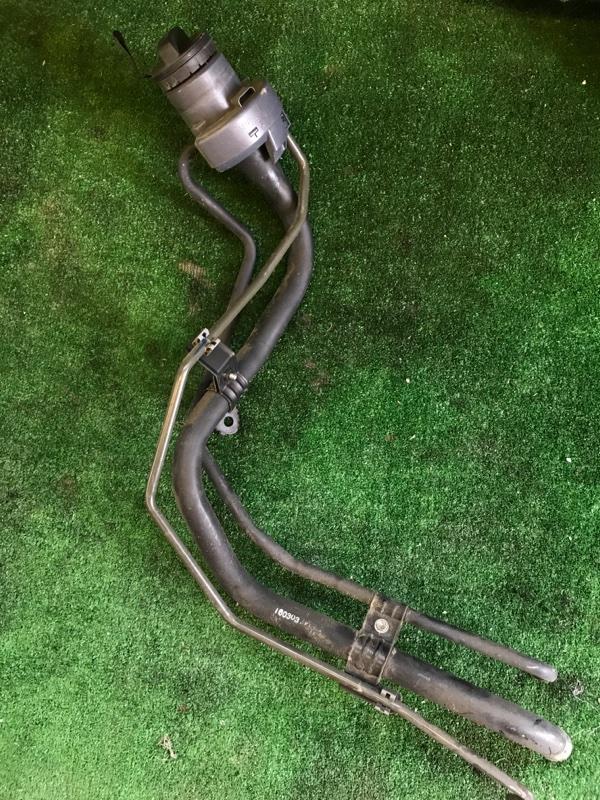 Горловина топливного бака Toyota Prius ZVW51 2ZR-FXE