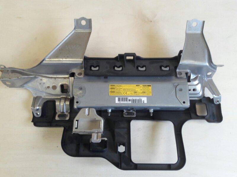 Подушка безопасности для колен Toyota Crown AWS210 2ARFSE 2013