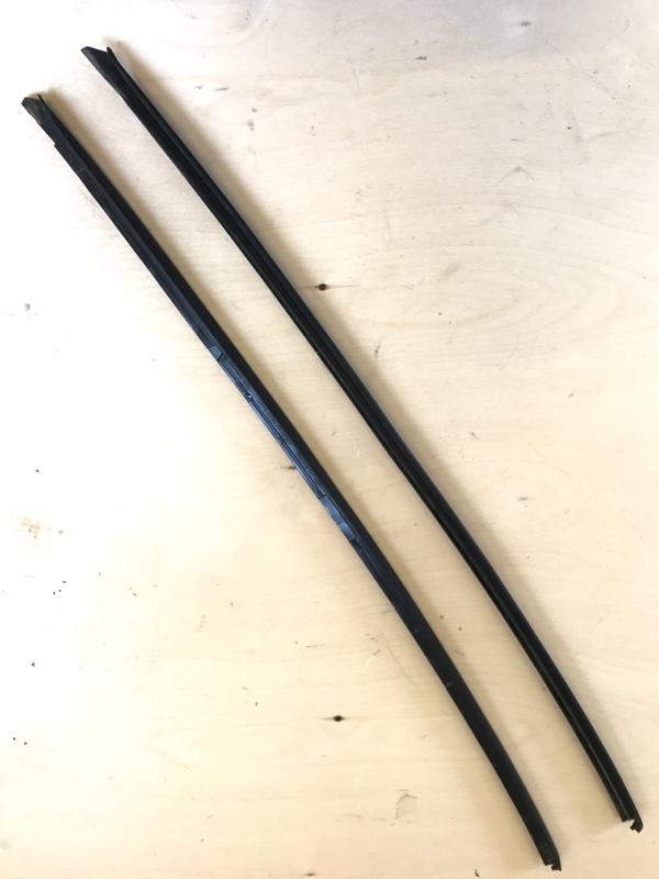 Молдинг лобового стекла Volkswagen Tiguan 2012