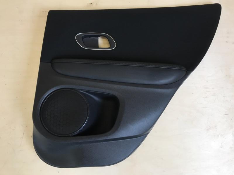 Обшивка двери Honda Vezel RU1 L15B 2014 задняя правая