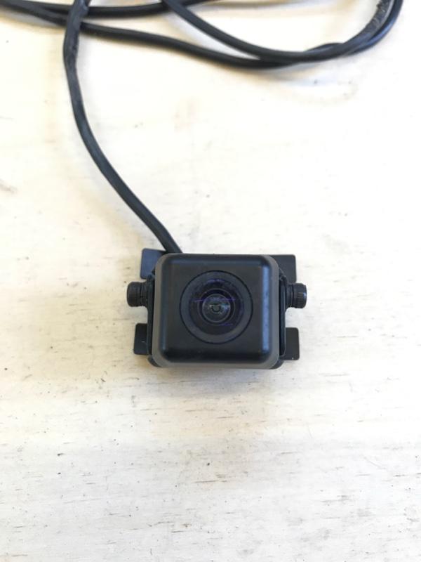Парковочная камера Toyota Camry AVV50 2AR-FXE 2012