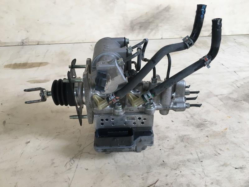 Главный тормозной цилиндр Toyota Camry AVV50 2AR-FXE 2012