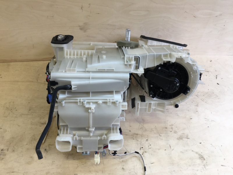 Печка Toyota Camry AVV50 2AR-FXE 2012
