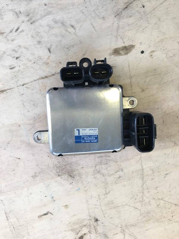 Блок управления вентилятором радиатора Toyota Camry AVV50 2AR-FXE 2012