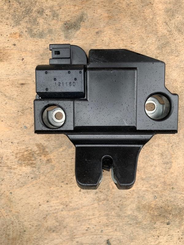 Замок багажника Toyota Camry AVV50 2AR-FXE 2012