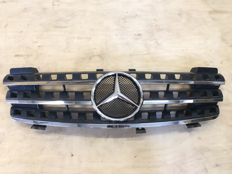 Решетка радиатора Mercedes Benz Mercedes Benz M Class W164 M272E35 2006