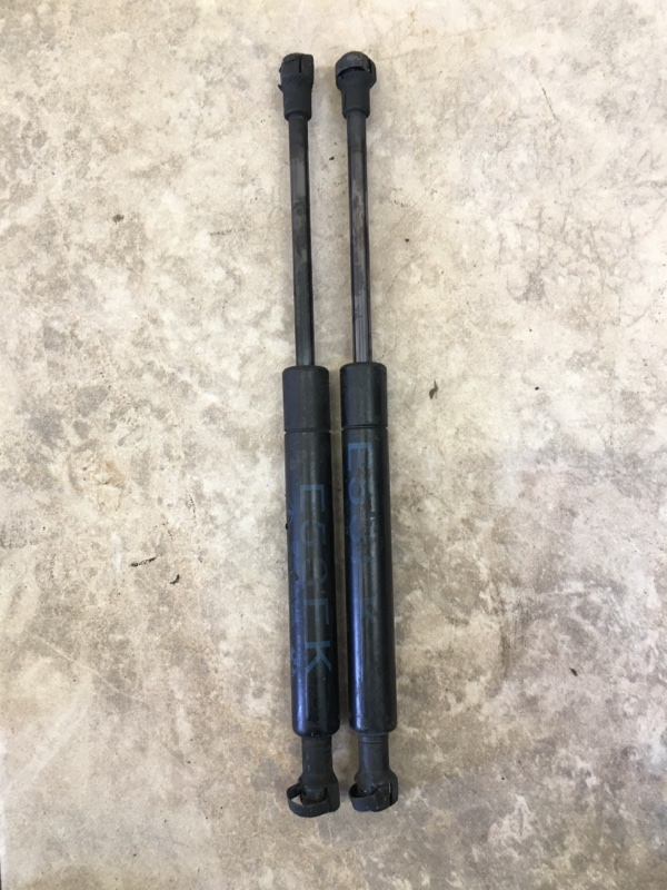 Амортизатор капота Bmw X5 E53 M54B30 2006