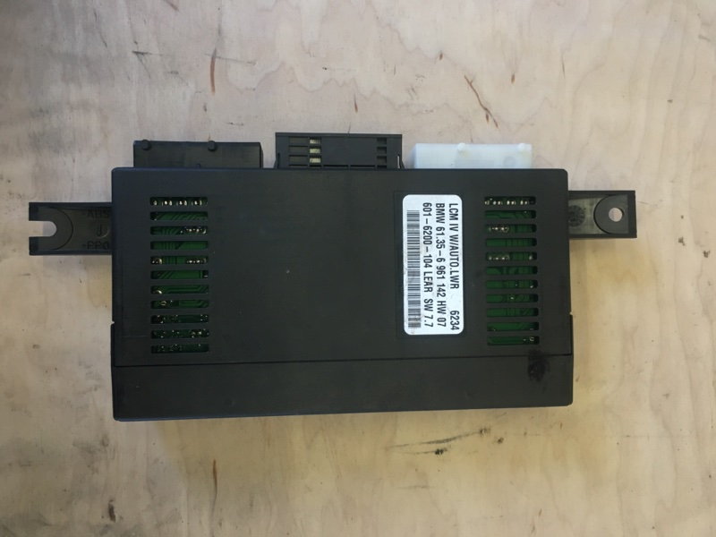 Блок системы автоматической диагностики lcm Bmw X5 E53 M54B30 2006