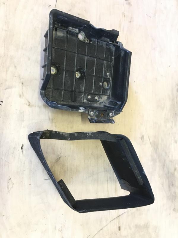 Крепление аккумулятора Toyota Prius Phv ZVW52 2ZR-FXE 2017