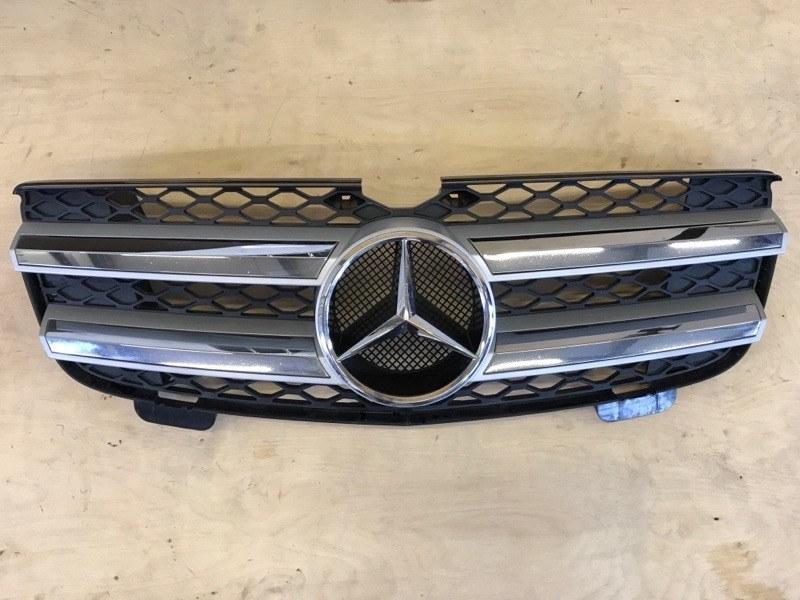 Решетка радиатора Mercedes Benz Gl-Class 164.871 M272E46 2006