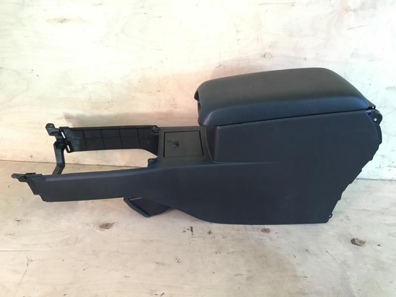 Бардачок между сиденьями Toyota Camry AVV50 2AR-FXE 2012