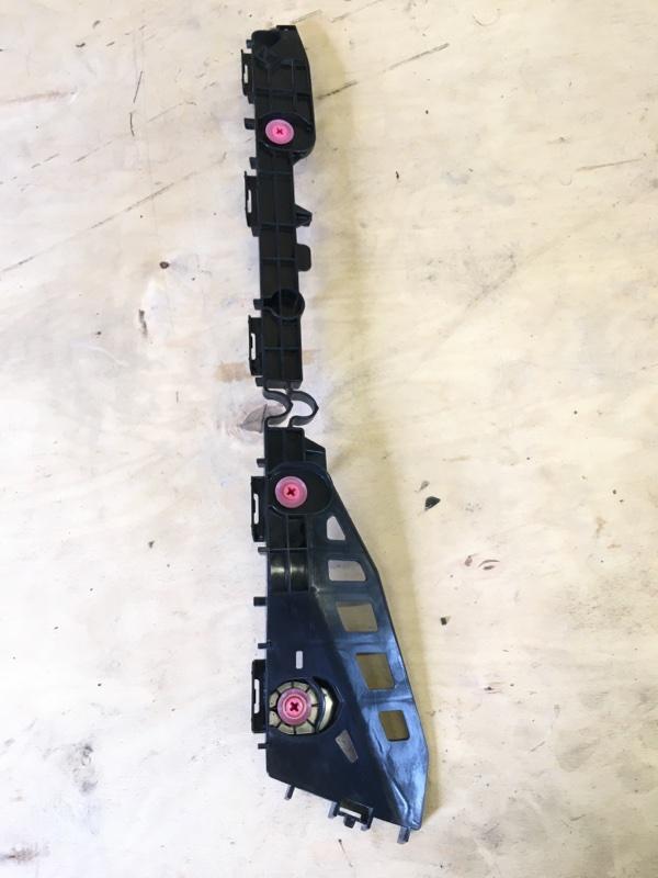 Крепление бампера Toyota Prius ZVW55 2ZR-1NM-1MM 2019 заднее правое