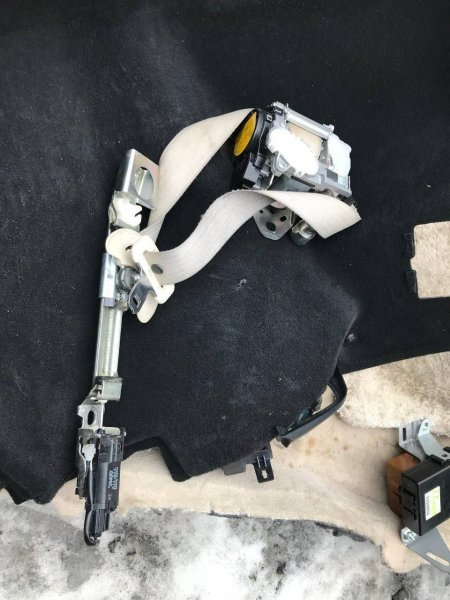 Ремень безопасности с моторчиком Lexus Ls430 UCF30 2URFSE (б/у)