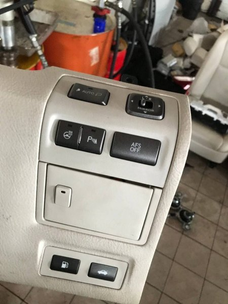 Блок с кнопками Lexus Ls460 USF40 2URFSE (б/у)