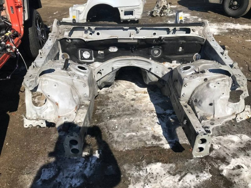 Лонжерон Lexus Ls460 USF40 1URFE правый (б/у)