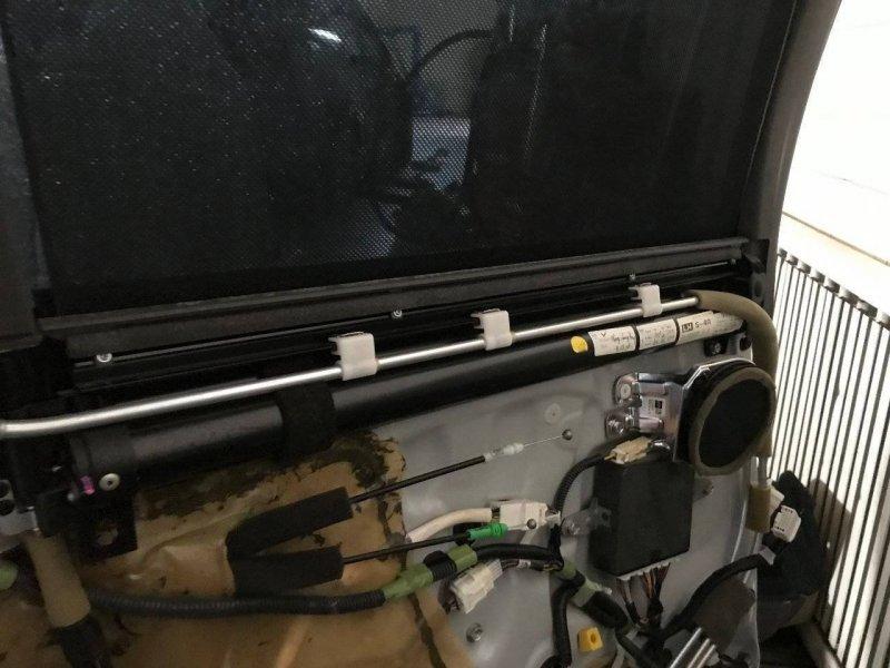Шторка стекла Lexus Ls460 USF40 2URFSE задняя левая (б/у)