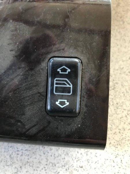 Пульт стеклоподъемника Mercedes-Benz C-Class W201 M103 задний правый (б/у)