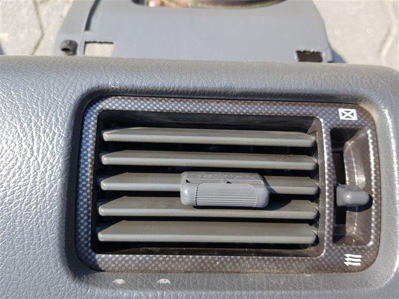Дефлектор воздушный Mitsubishi Pajero Evolution V55W 1997 (б/у)