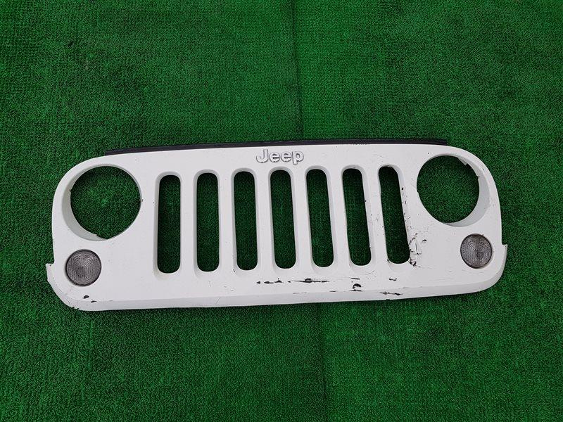 Решетка радиатора Jeep Wrangler JK 2010 (б/у)